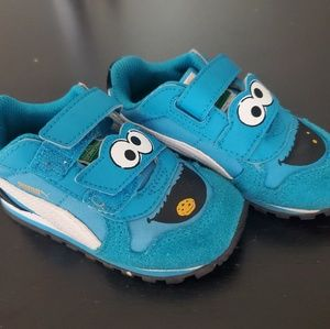 Toddlers sesame street cookie monster shoes